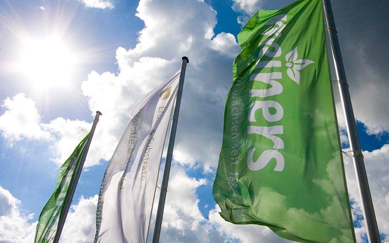 Hissflaggen aus Fahnenstoff